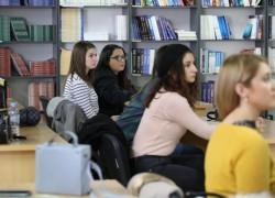 Киро Донев во посета на Филолошки факултет